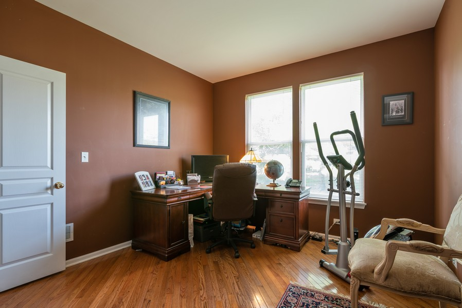 Real Estate Photography - 450 Brookside Avenue, Algonquin, IL, 60102 - Office