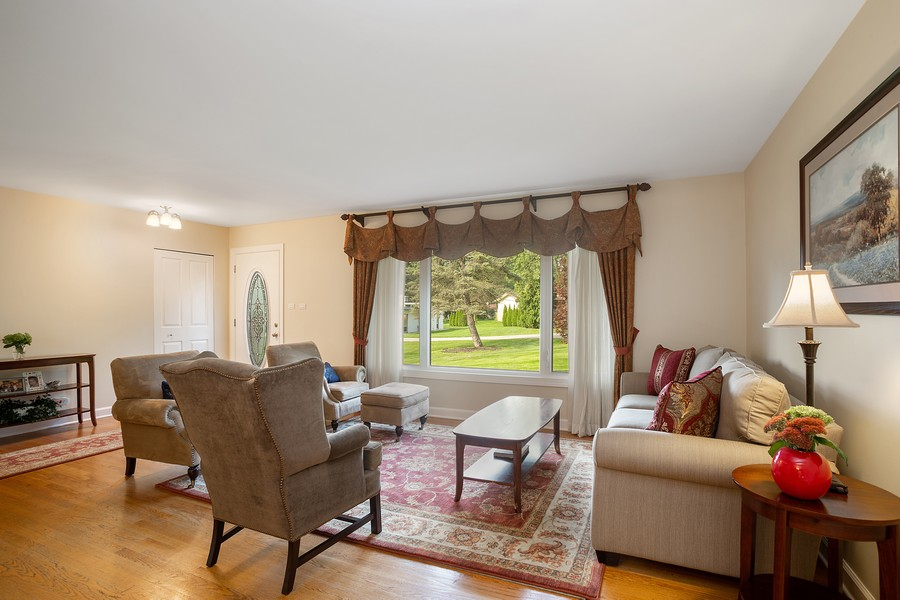 Real Estate Photography - 7 S Rob Road, Mount Prospect, IL, 60056 - Living Room