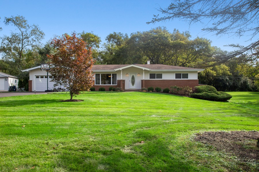 Real Estate Photography - 7 S Rob Road, Mount Prospect, IL, 60056 - Front View