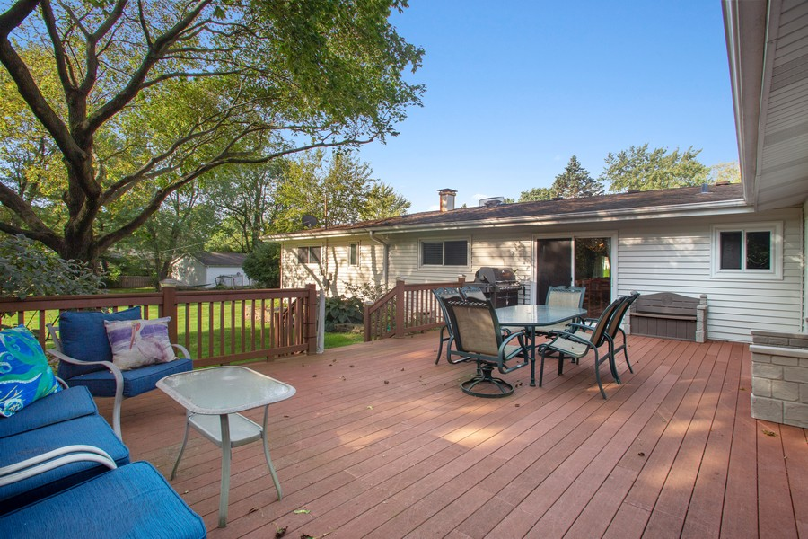 Real Estate Photography - 7 S Rob Road, Mount Prospect, IL, 60056 - Deck
