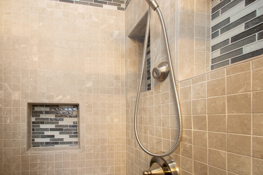 Real Estate Photography - 7 S Rob Road, Mount Prospect, IL, 60056 - 2nd Bathroom