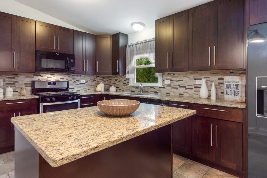 Real Estate Photography - 1505 E. Rosehill Dr., Arlington Heights, IL, 60004 - Kitchen