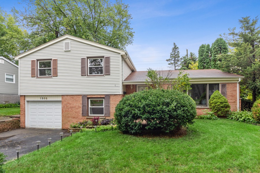 Real Estate Photography - 1505 E. Rosehill Dr., Arlington Heights, IL, 60004 - Front View