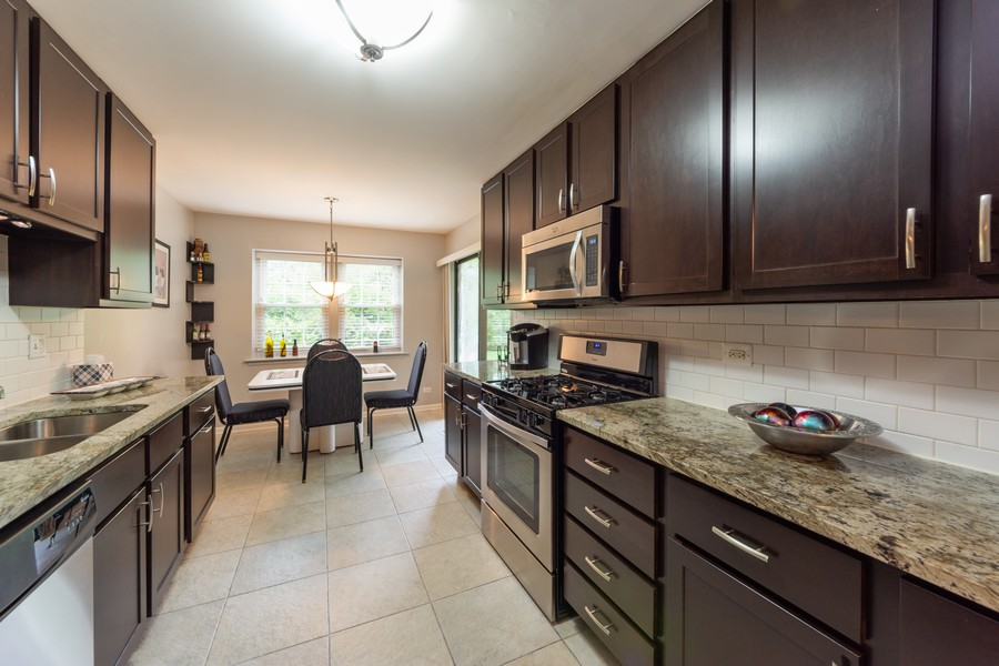 Real Estate Photography - 602 Hapsfield Lane, Buffalo Grove, IL, 60067 - Kitchen