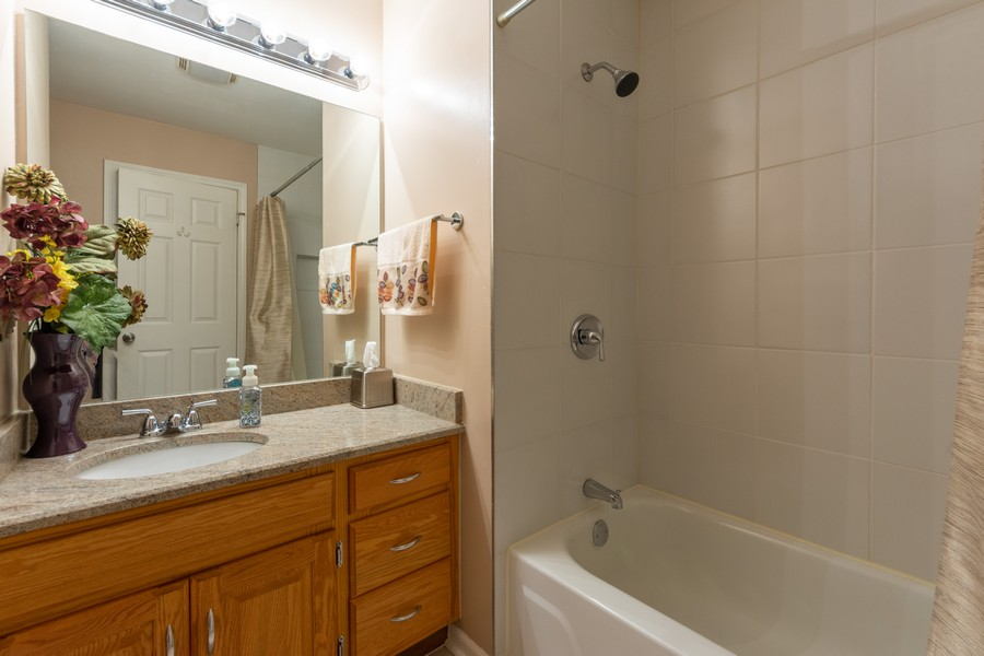 Real Estate Photography - 602 Hapsfield Lane, Buffalo Grove, IL, 60067 - 2nd Bathroom