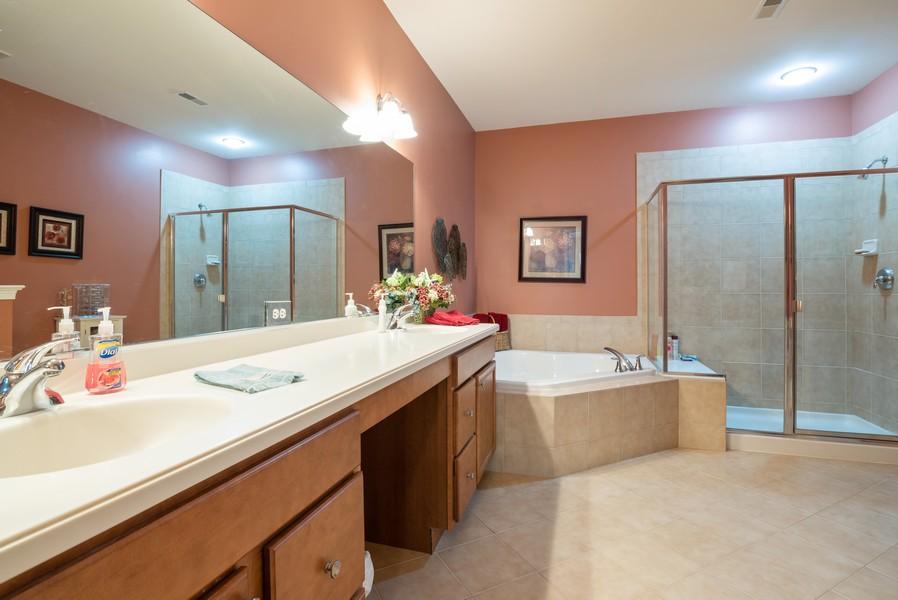Real Estate Photography - 1031 Broadmoor, Elgin, IL, 60124 - Master Bathroom