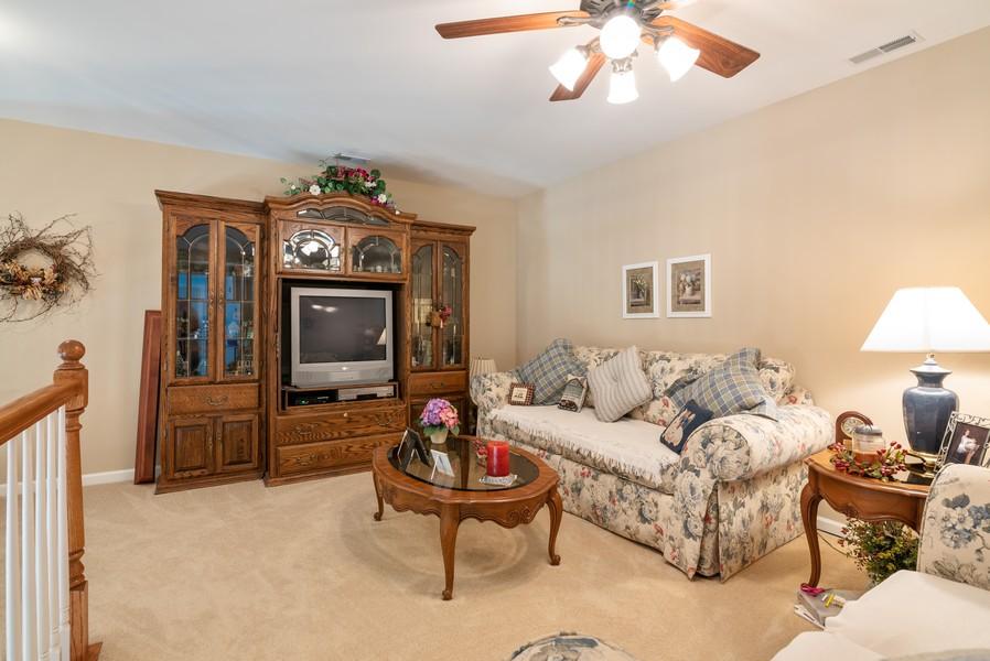 Real Estate Photography - 1031 Broadmoor, Elgin, IL, 60124 - Loft