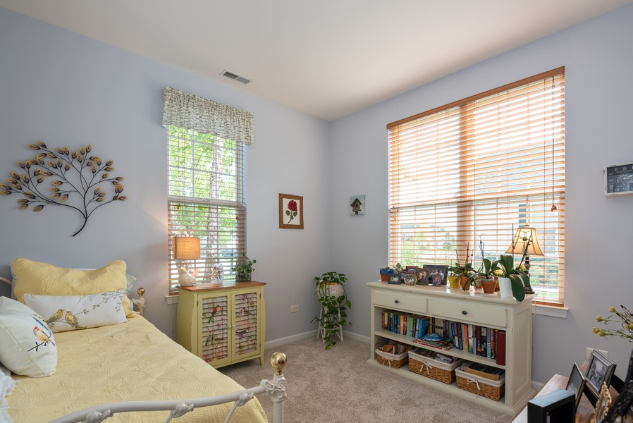 Real Estate Photography - 1031 Broadmoor, Elgin, IL, 60124 - Office