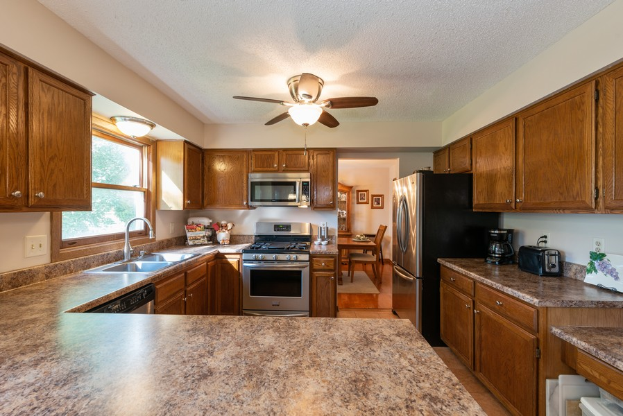 Real Estate Photography - 980 Ridgewood, Crystal Lake, IL, 60014 - Kitchen