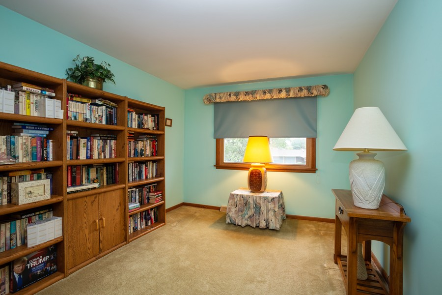 Real Estate Photography - 2938 s briarwood dr west, arlington hts, IL, 60005 - Bedroom