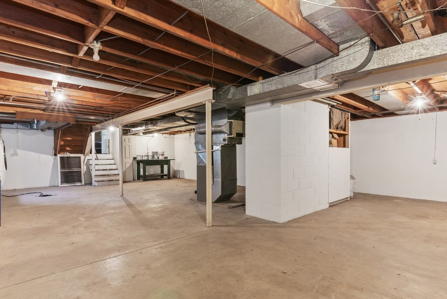 Real Estate Photography - 7404 Chesterfield Rd, Crystal Lake, IL, 60012 - Basement