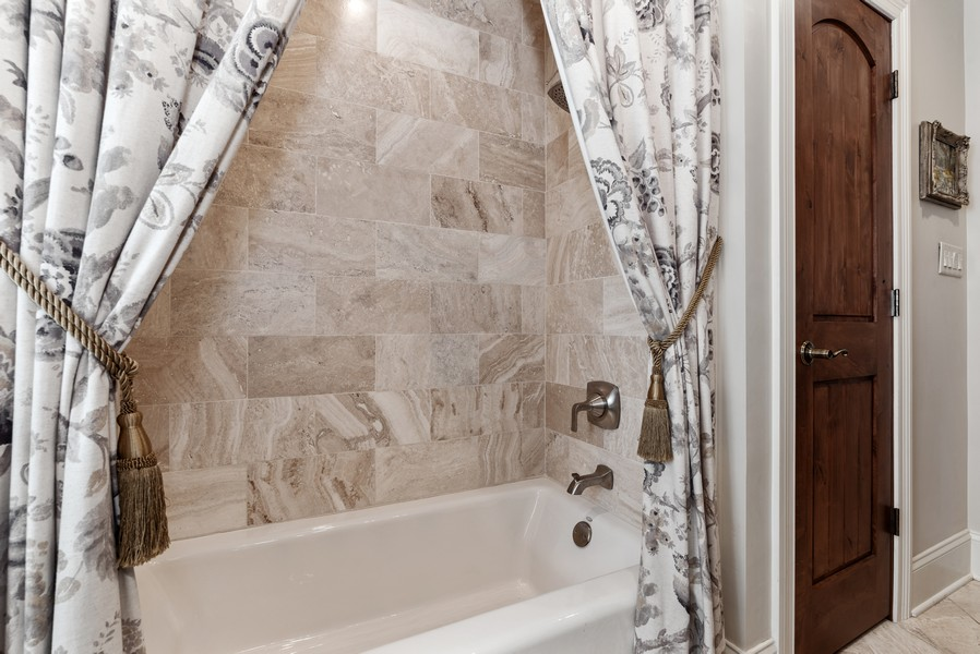 Real Estate Photography - 444 Crystal Court, Village Of Lakewood, IL, 60014 - Bathroom