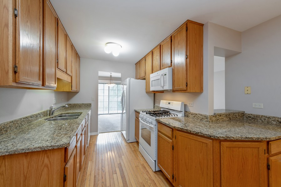 Real Estate Photography - 1503 St. Marks Place, Palatine, IL, 60067 - Kitchen