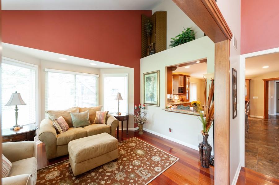Real Estate Photography - 922 Longmeadow Ct, Lake Barrington, IL, 60010 - Den/Sun Room