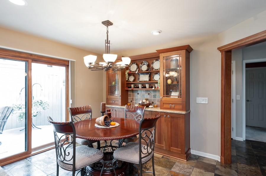 Real Estate Photography - 922 Longmeadow Ct, Lake Barrington, IL, 60010 - Dining Area 2