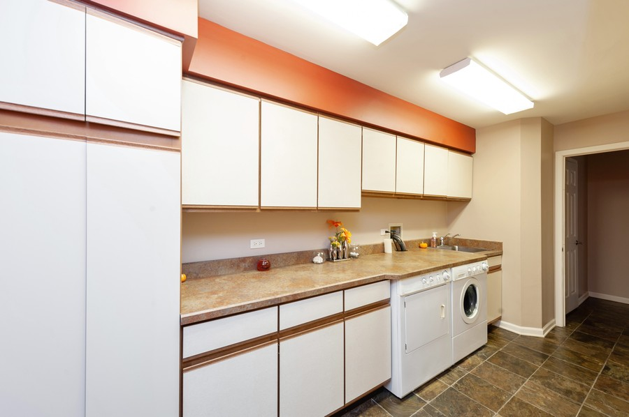Real Estate Photography - 922 Longmeadow Ct, Lake Barrington, IL, 60010 - Laundry Room