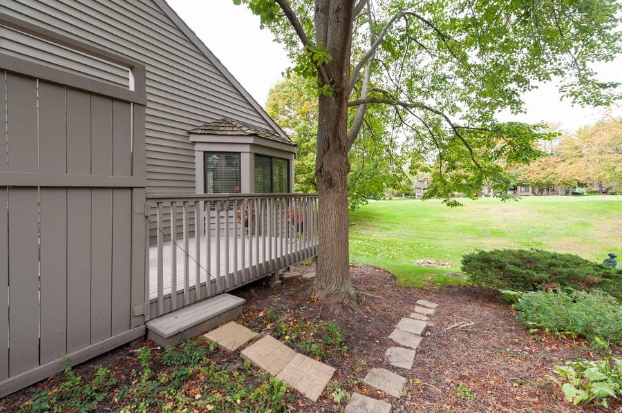 Real Estate Photography - 922 Longmeadow Ct, Lake Barrington, IL, 60010 - Side View