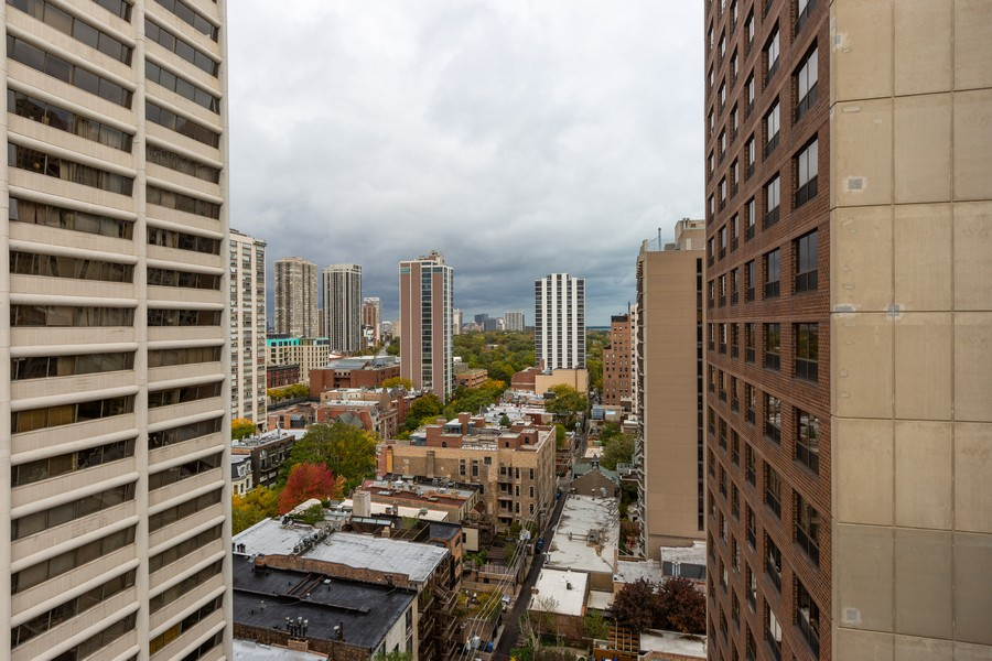 Real Estate Photography - 1400 N State Parkway #18B, Chicago, IL, 60610 -