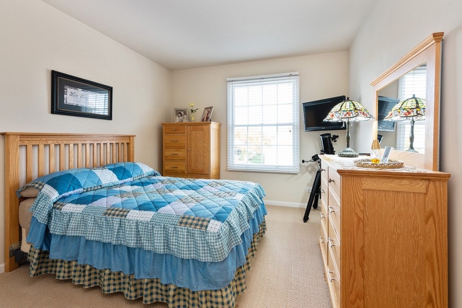 Real Estate Photography - 430 Summersweet Lane, Bartlett, IL, 60103 - 2nd Bedroom
