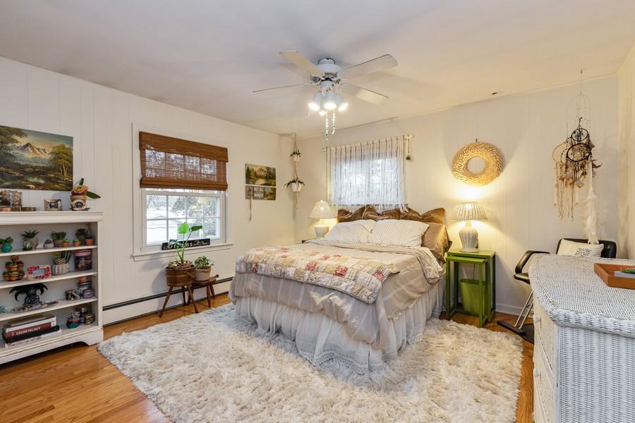 Real Estate Photography - 990 Blackburn St., Gurnee, IL, 60031 - 3rd Bedroom