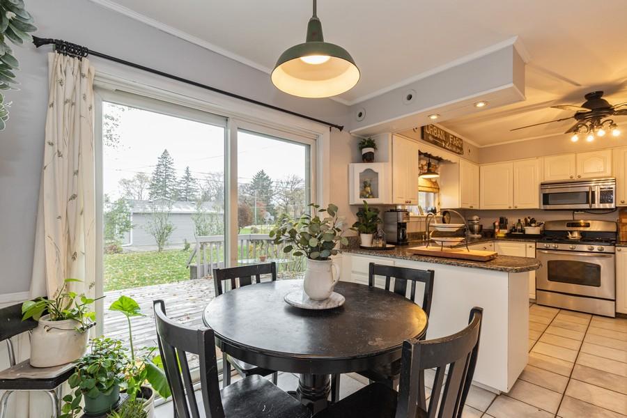 Real Estate Photography - 990 Blackburn St., Gurnee, IL, 60031 - Kitchen / Breakfast Room