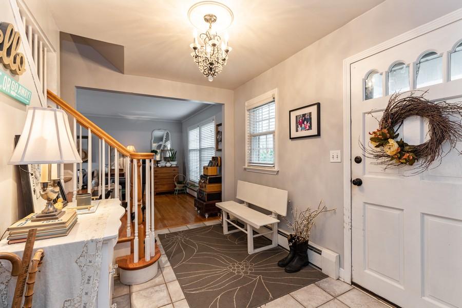 Real Estate Photography - 990 Blackburn St., Gurnee, IL, 60031 - Foyer