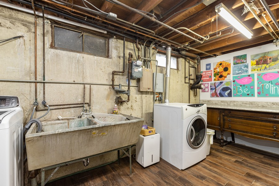 Real Estate Photography - 990 Blackburn St., Gurnee, IL, 60031 - Laundry Room