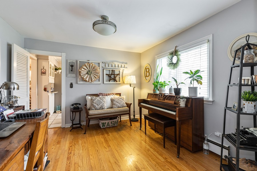 Real Estate Photography - 990 Blackburn St., Gurnee, IL, 60031 - Den