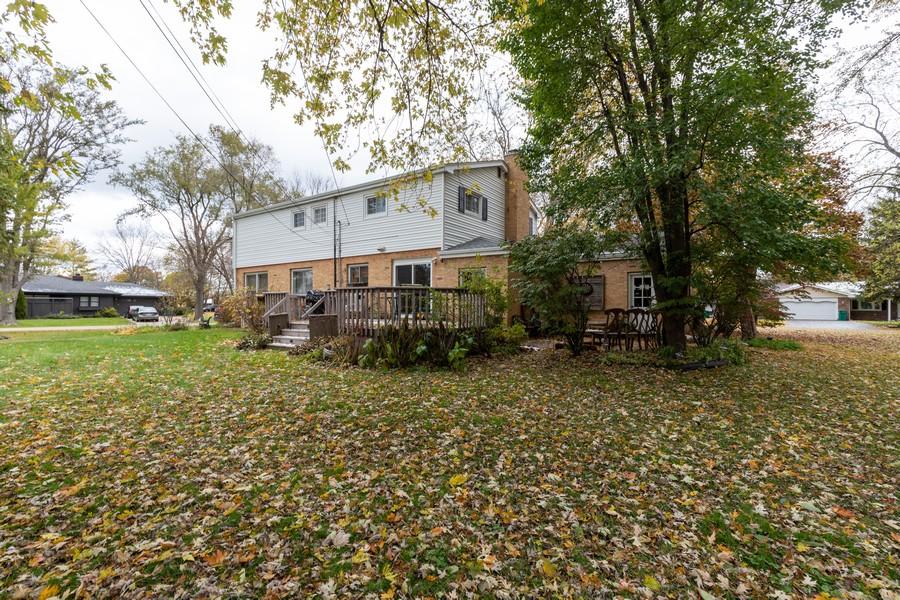 Real Estate Photography - 990 Blackburn St., Gurnee, IL, 60031 - Rear View