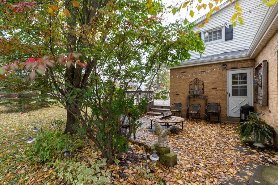 Real Estate Photography - 990 Blackburn St., Gurnee, IL, 60031 - Patio