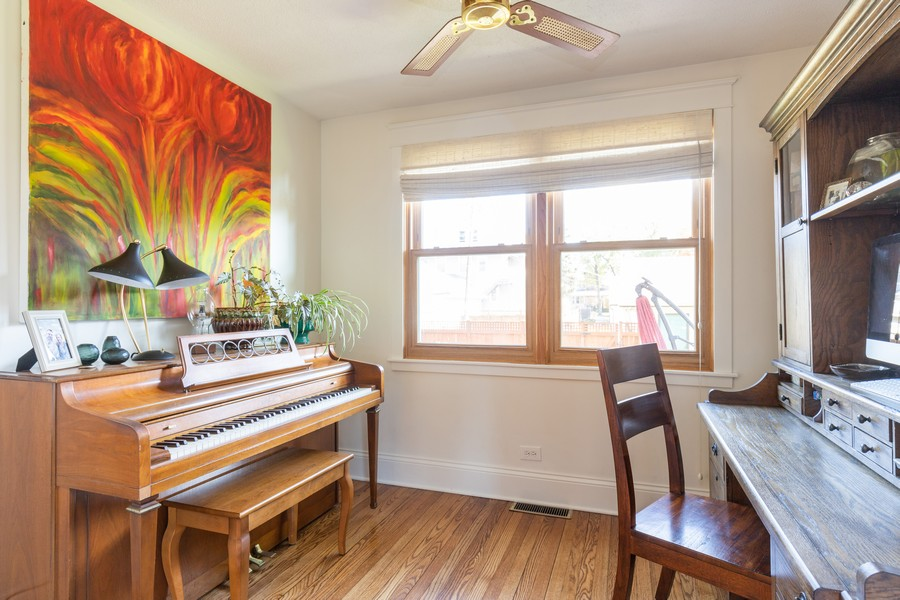 Real Estate Photography - 3113 Maple Avenue, Berwyn, IL, 60402 - Sitting Room