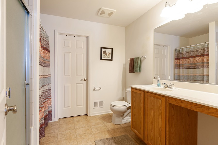 Real Estate Photography - 999 Richard Brown Blvd, Volo, IL, 60073 - Master Bathroom