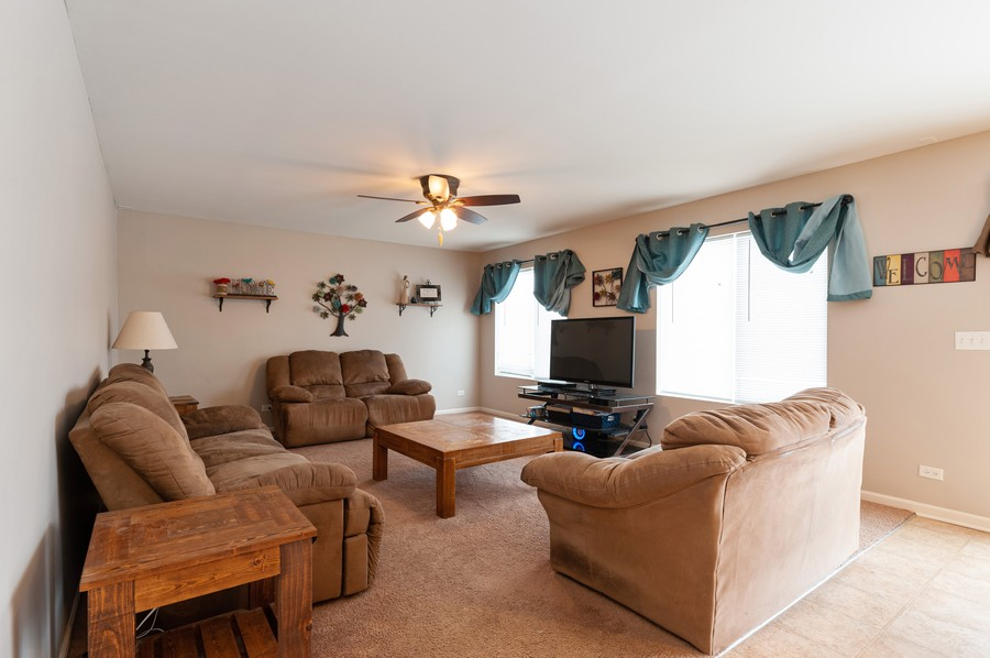 Real Estate Photography - 999 Richard Brown Blvd, Volo, IL, 60073 - Family Room