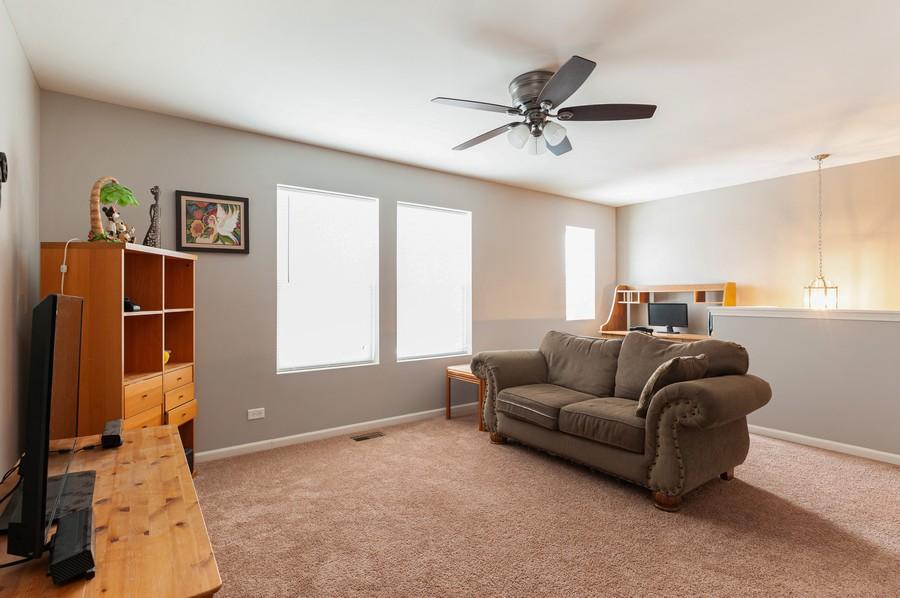 Real Estate Photography - 999 Richard Brown Blvd, Volo, IL, 60073 - Loft