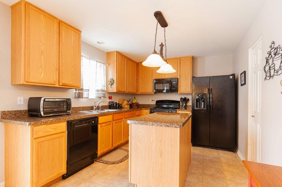 Real Estate Photography - 999 Richard Brown Blvd, Volo, IL, 60073 - Kitchen