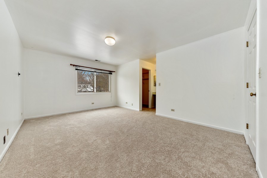 Real Estate Photography - 1023 Brentwood, Buffalo Grove, IL, 60089 - Master Bedroom
