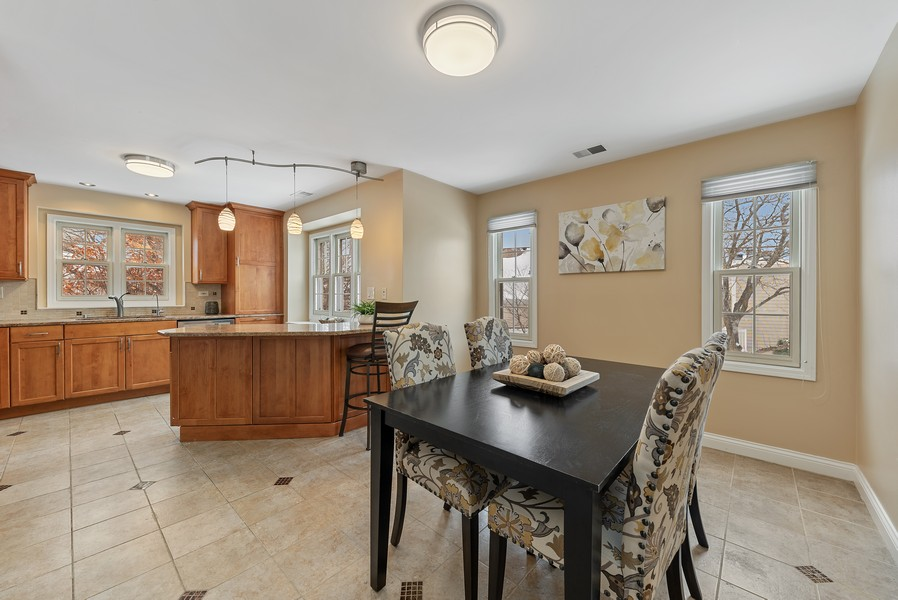 Real Estate Photography - 1023 Brentwood, Buffalo Grove, IL, 60089 - Dining Room