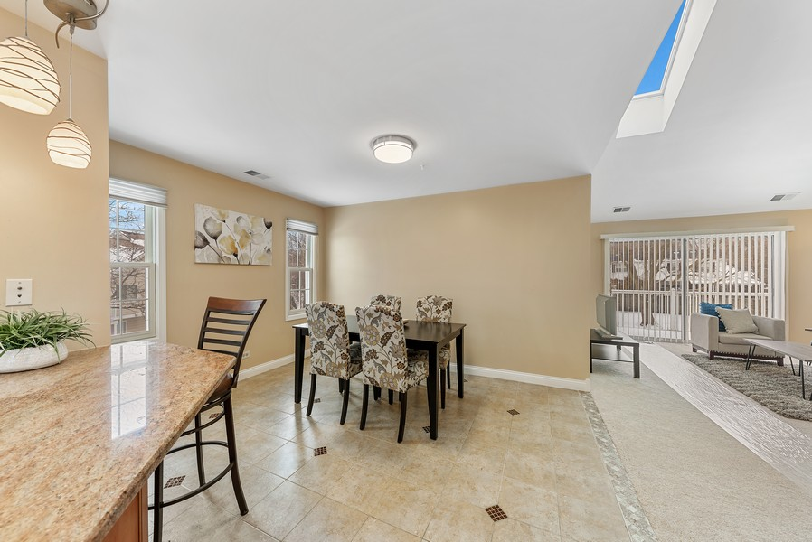 Real Estate Photography - 1023 Brentwood, Buffalo Grove, IL, 60089 - Kitchen / Dining Room