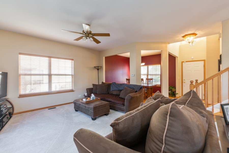 Real Estate Photography - 280 Copper Mountain Drive, Gilberts, IL, 60136 - Living Room