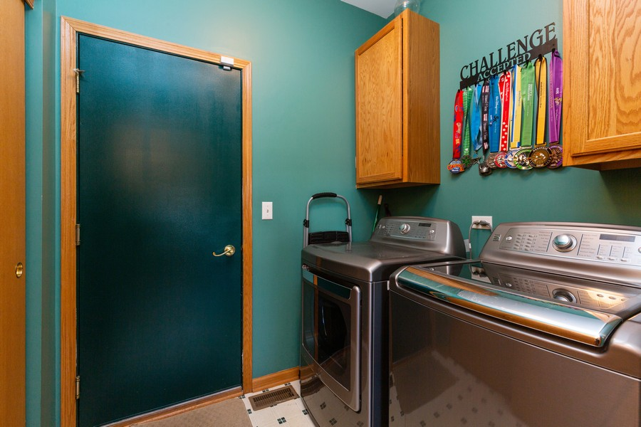 Real Estate Photography - 280 Copper Mountain Drive, Gilberts, IL, 60136 - Laundry Room