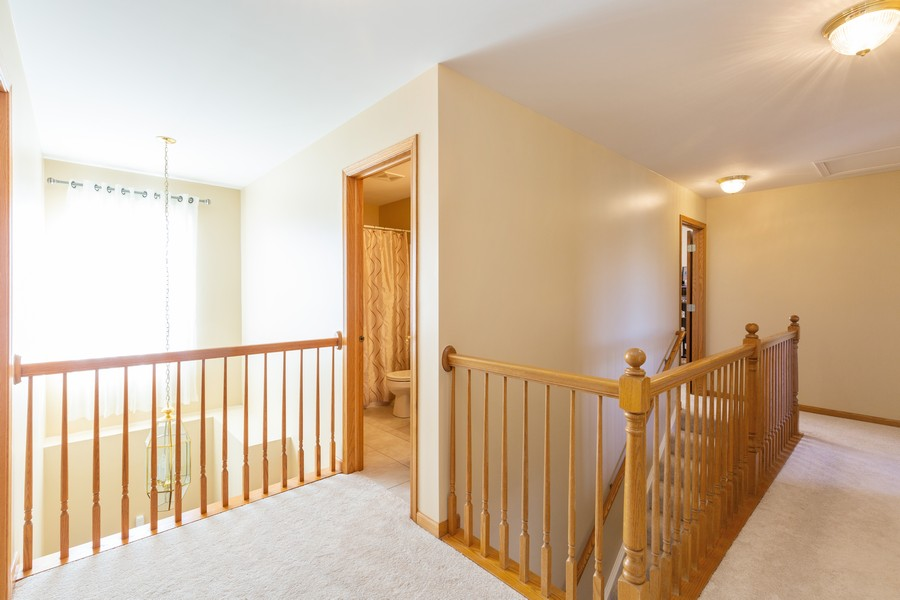 Real Estate Photography - 280 Copper Mountain Drive, Gilberts, IL, 60136 - Hallway