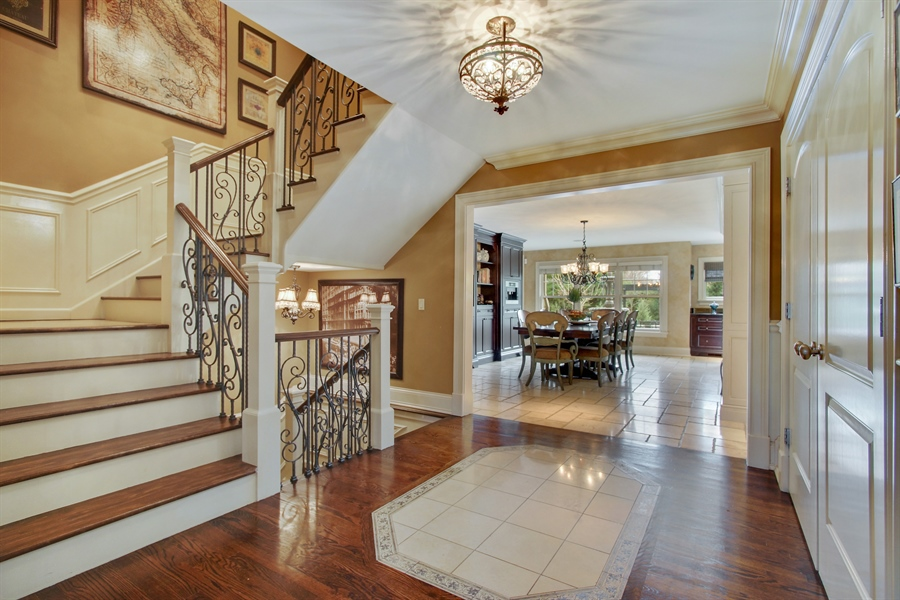 Real Estate Photography - 421 E Orchard, Arlington Heights, IL, 60005 - Foyer