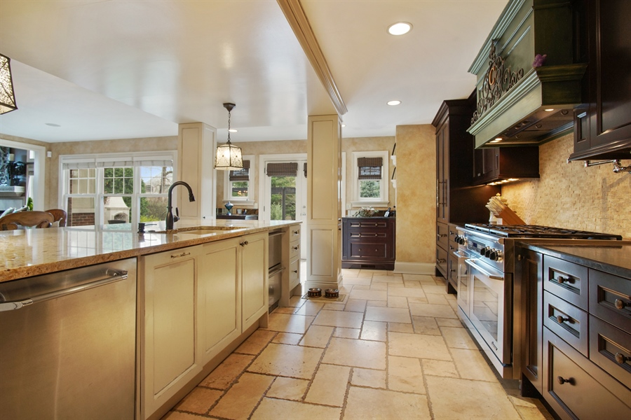 Real Estate Photography - 421 E Orchard, Arlington Heights, IL, 60005 - Kitchen