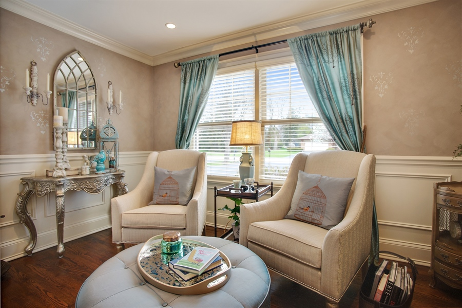 Real Estate Photography - 421 E Orchard, Arlington Heights, IL, 60005 - Study