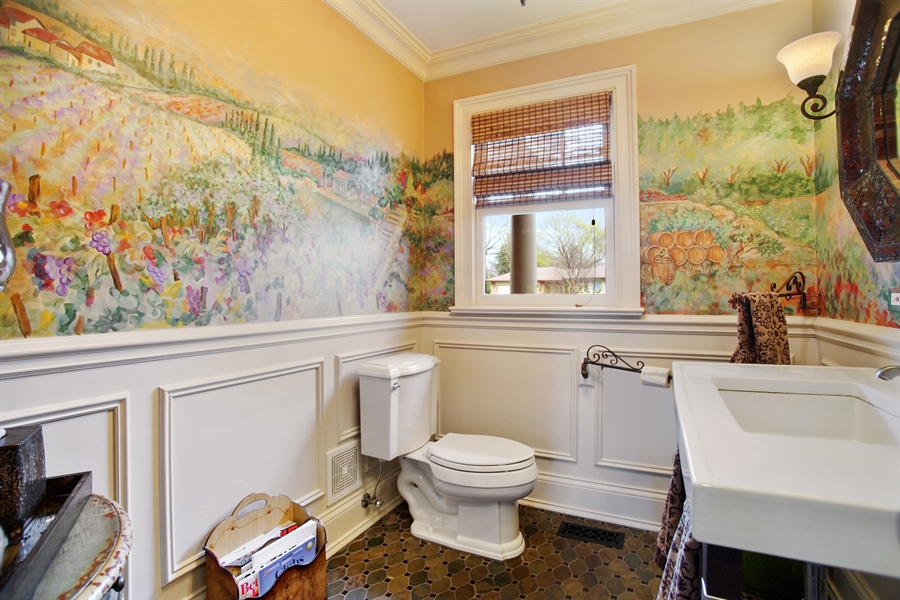 Real Estate Photography - 421 E Orchard, Arlington Heights, IL, 60005 - Half Bath
