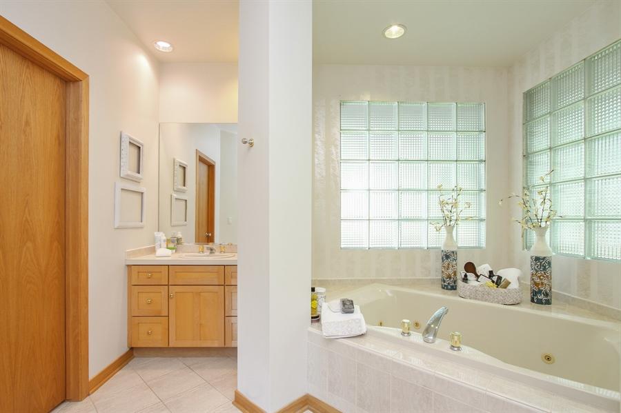 Real Estate Photography - 26636 N Longmeadow, Mundelein, Mundelein, IL, 60060 - Master Bathroom