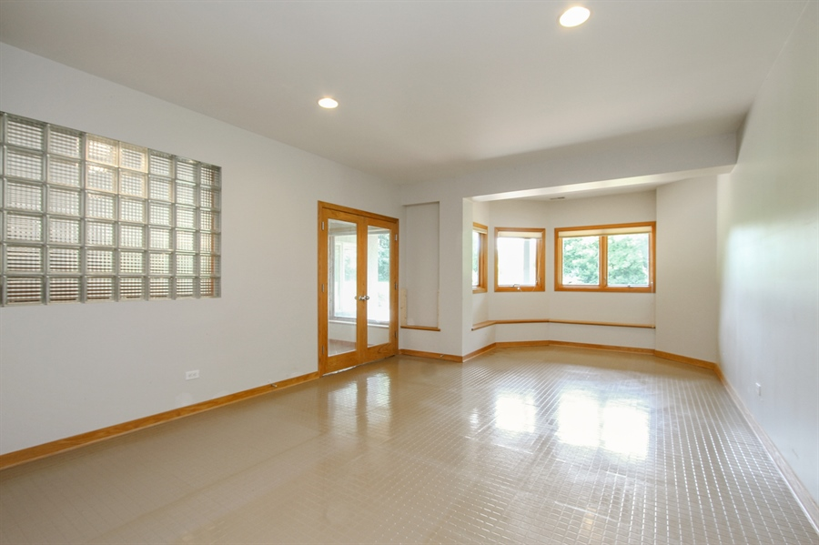 Real Estate Photography - 26636 N Longmeadow, Mundelein, Mundelein, IL, 60060 - Exercise Room