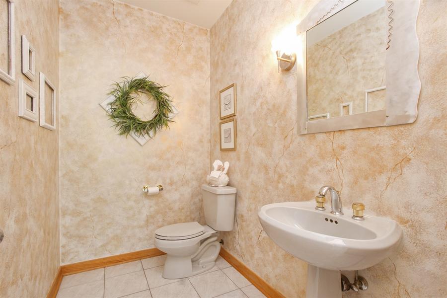 Real Estate Photography - 26636 N Longmeadow, Mundelein, Mundelein, IL, 60060 - Powder Room