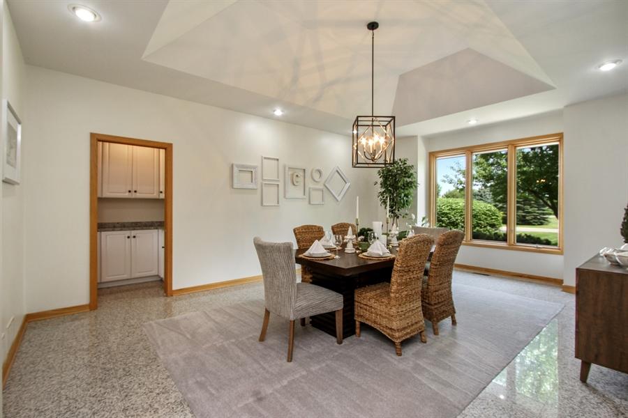 Real Estate Photography - 26636 N Longmeadow, Mundelein, Mundelein, IL, 60060 - Dining Room