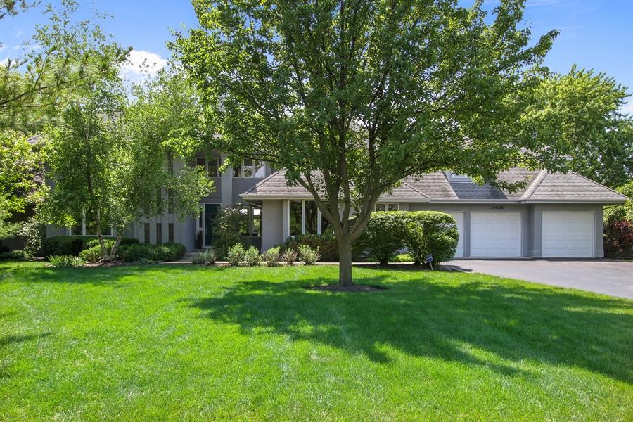 Real Estate Photography - 26636 N Longmeadow, Mundelein, Mundelein, IL, 60060 - Front View